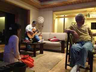 ギター演奏.jpg